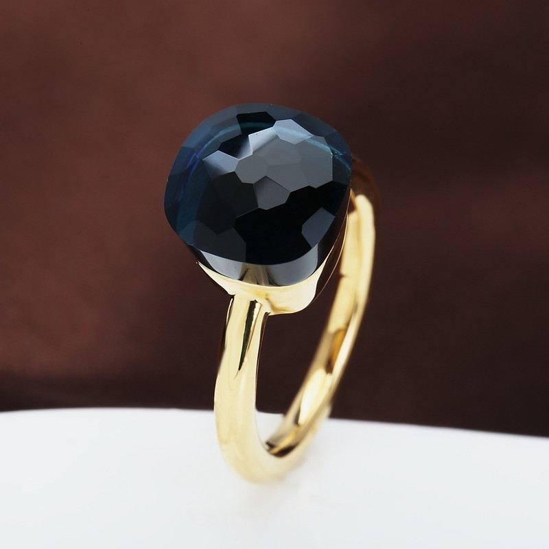NUDO RING IN 18k GOLD WITH BLUE QUARTZ