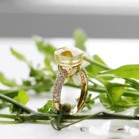 CHEAP RING IN 18k GOLD WITH  LEMON QUARTZ AND DIAMONDS